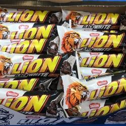 Black & White Lion Bars - box 40